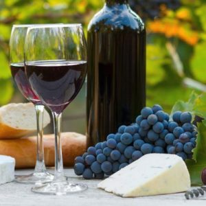 Contains resveratrol: Especially grapes, reaspberries, ulberries, plums, peanuts.